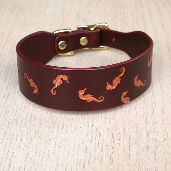 Painted Floating Seahorses Buckle Collar (1.5 inch wide)