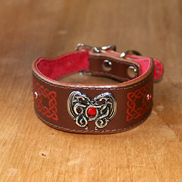 Dragon Heart buckle collar (1.5 inch wide)